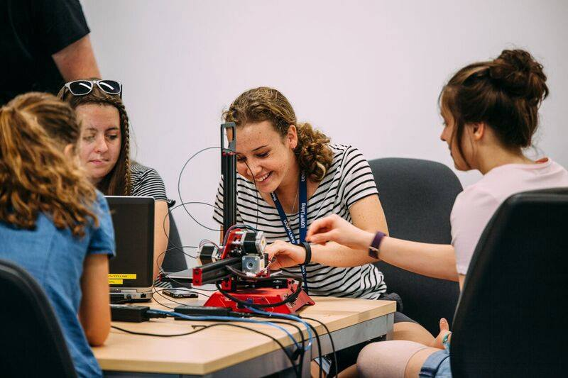 girls using 3d printing to solve real life issues